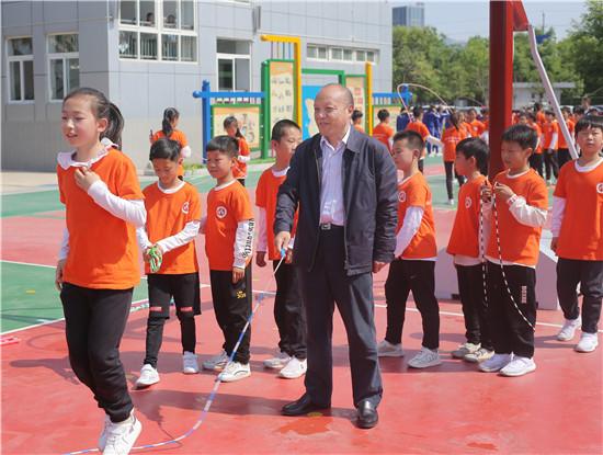 2019年郑东新区教体局体育大课间推进会在众意路小学举行