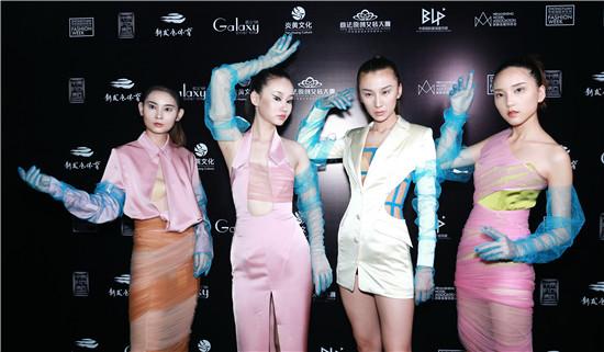 """""""一带一路""""&马来西亚 · BRlAN KHOO登陆2019中原国际时装周 极致呈现女性万千风情"""