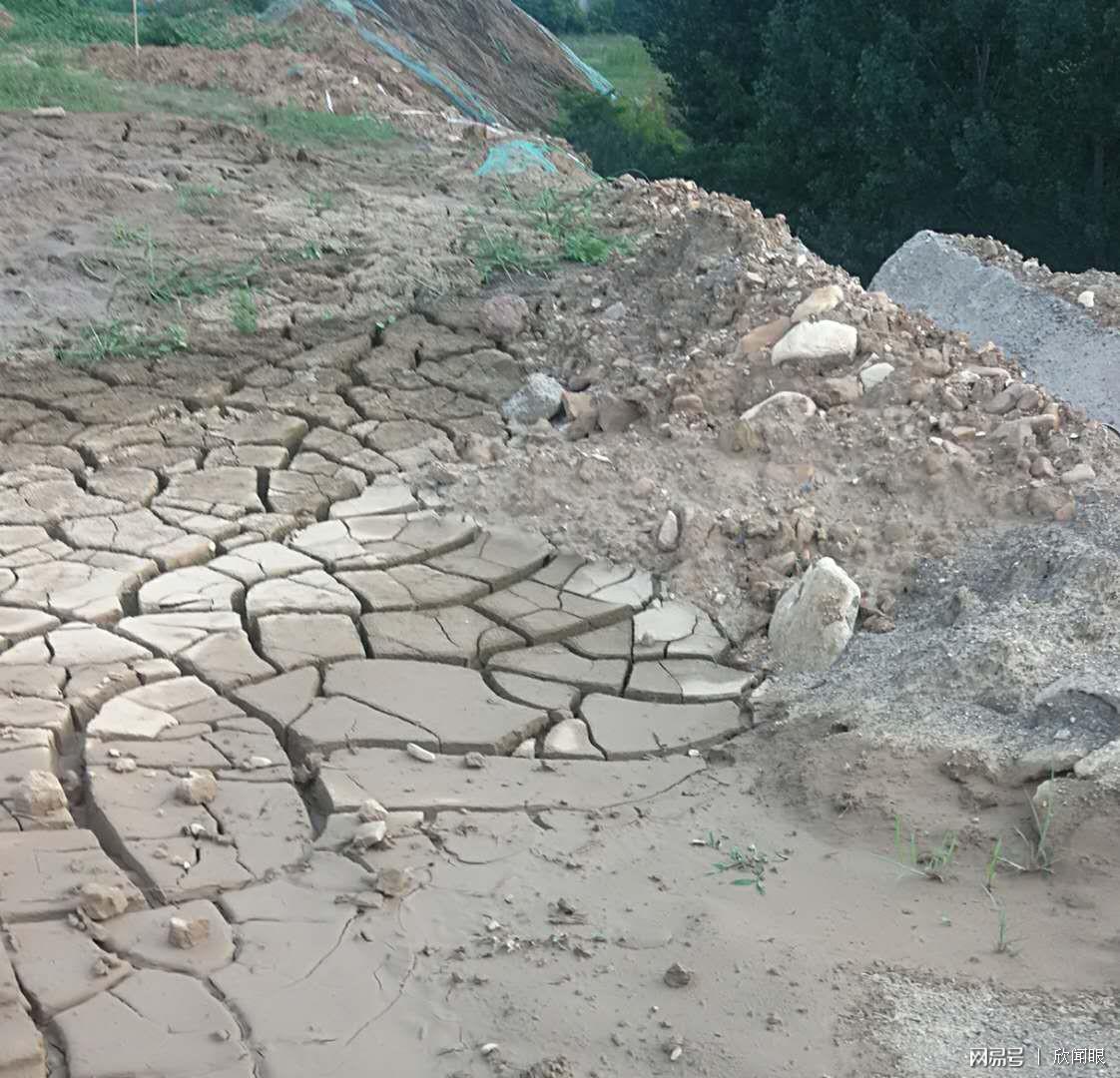 河南汝州一无证石料厂污染严重