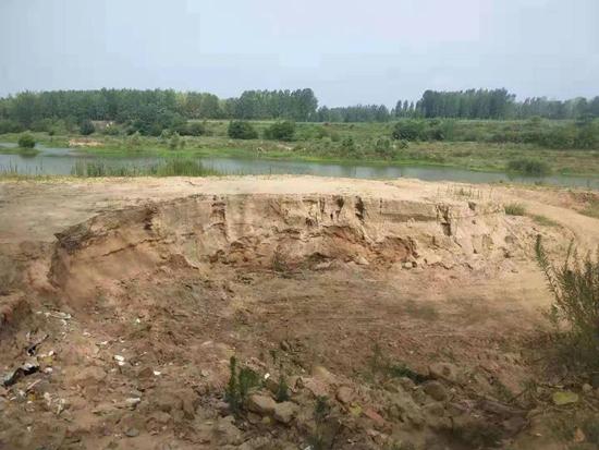 信阳浉河区一盗采河砂点疑似发生事故致一人死亡