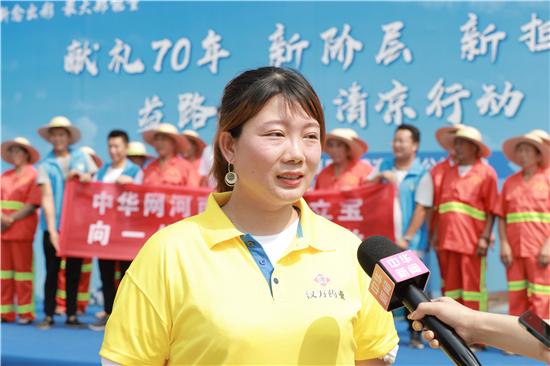 【益路华彩·清凉行动】河南汉方药业酷暑天里为一线劳动者送清凉