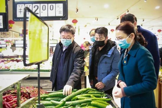 又一个口罩厂开工!贺振华副市长要求市场监管局全力协助升级