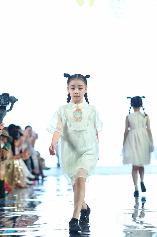 开启童模教育创新里程碑 2020第二届礼童星时尚秀场盛大发布
