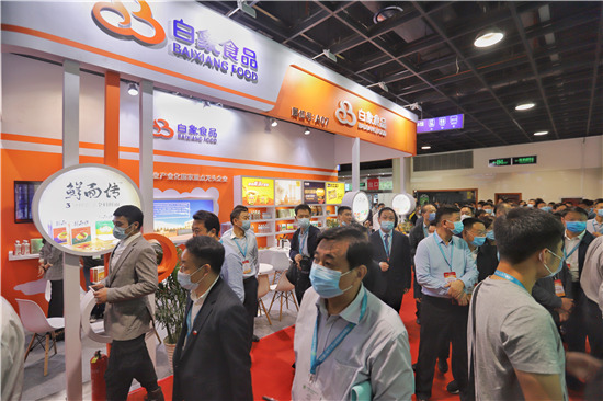 豫沪合作创新机 白象食品亮相河南省优质特色农产品(上海)展览会