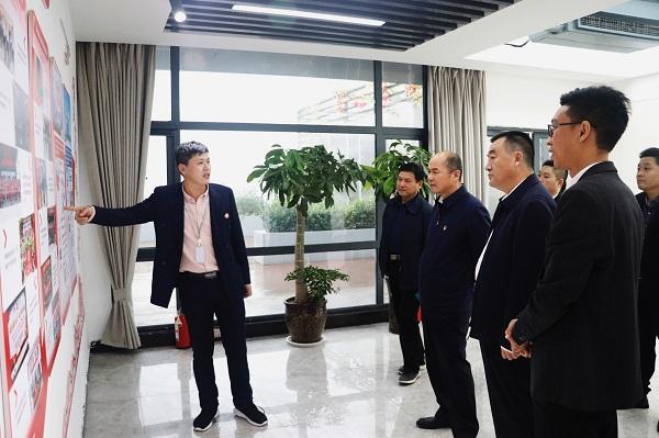 梁险峰一行到中华网河南频道调研指导工作